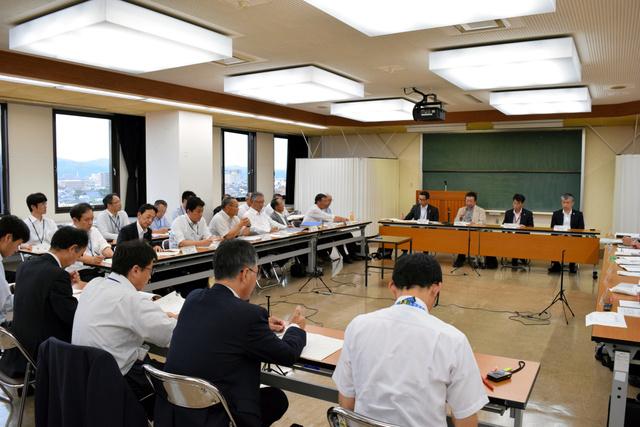 来島ダムの分水問題を協議した委員会=出雲市大津町