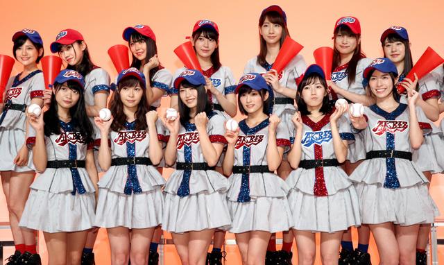 AKB48の「光と影の日々」歌唱メンバー=東京・有明、越田省吾撮影