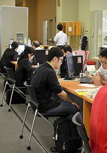 教育実習と面接重なり困惑 大学生らの採用選考前倒し、6月解禁