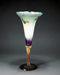 ガラス・陶器・家具… 「エミール・ガレ展」始まる