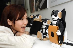 会話や触れ合い…家庭用ロボット、日常生活に広がる