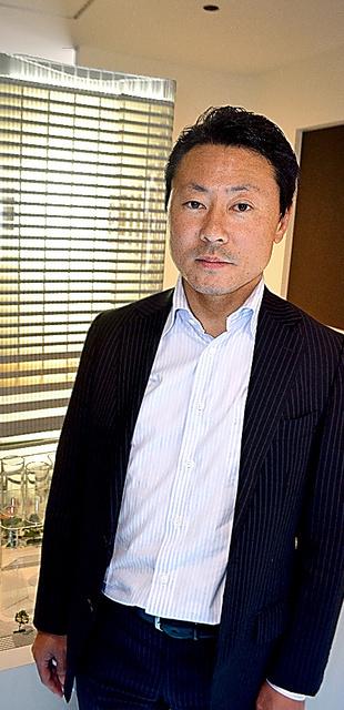 プロジェクトマネジャーの藤井拓也さん。チームのまとめ役として「細部にまで上質感にこだわっています」