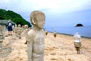 真夏のアート、五感で体験 瀬戸内国際芸術祭を歩く