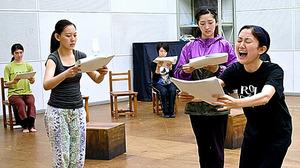 若者が伝える「ひめゆり」 新国立劇場演劇研修所の10期生ら朗読劇