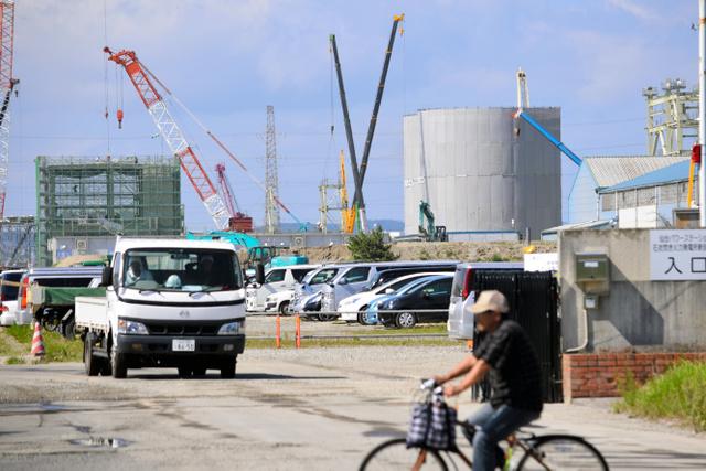 住民が求める説明会が開かれないまま、着々と建設が進む石炭火力発電所=仙台市宮城野区港1丁目