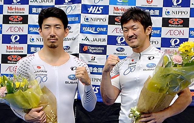 自転車トラック種目代表の渡辺一成、中川誠一郎両選手(左から)=静岡県伊豆市
