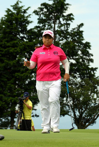 アン・ソンジュ、逆転で連覇 木戸は2位 女子ゴルフ
