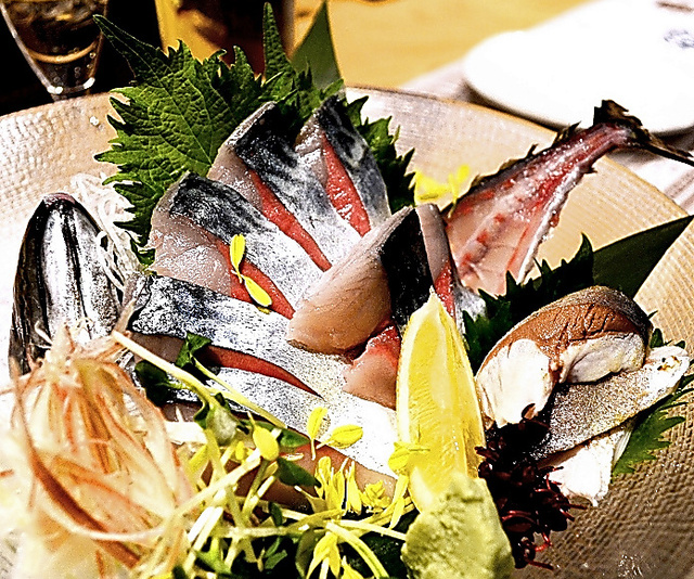 SABARのサバづくし6千円コースの主菜「お嬢サバ」造り