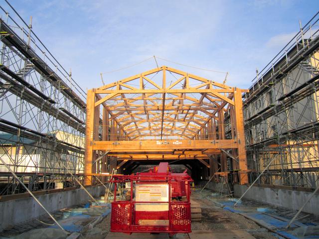 構造材に木材を使った校舎改築が行われている盛岡農業高校=県教育委員会提供