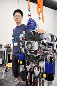 ロボット走らせ東京五輪聖火ランナーに 愛工大で挑戦中