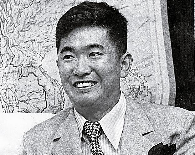 取材に「核を持たねばダメ」などと語る石原慎太郎氏=1971年7月撮影