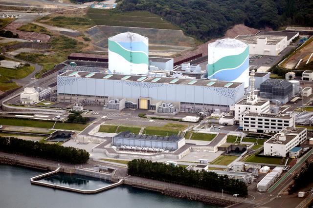 まもなく再稼働から1年を迎える九州電力川内原発=鹿児島県薩摩川内市