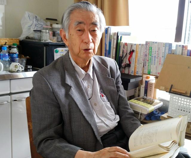 障害者施設を街の中に建てるべきだと提言する正村公宏・専修大名誉教授=東京都八王子市