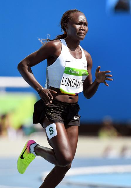 陸上の女子800メートル予選で力走するローズ・ナティケ・ロコニエン=諫山卓弥撮影