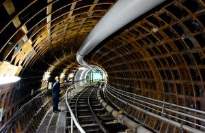名古屋駅から2.5キロほど離れた公園地下の雨水貯留管。中央雨水調整池はこの1.5倍の太さとなる=名古屋市中村区、戸村登撮影