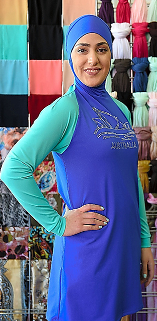 イスラム教徒の女性用の水着ブルキニ=AFP時事