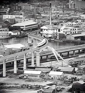 (東京五輪物語)東京モノレール、明るい未来のせて 活躍続く、都会の蛇