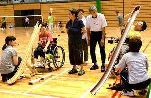 島根)障害者スポーツのボッチャ、手作り用具で後押し