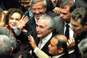 ブラジリアの上院本会議で31日、大統領就任式に出席したテメル大統領=田村剛撮影
