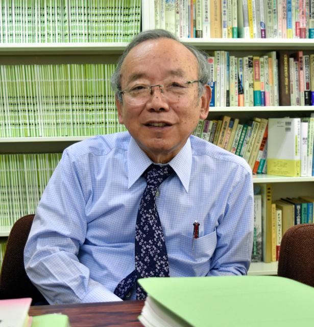 学校事件・事故被害者全国弁護団に発足当初から関わってきた副代表の野口善国弁護士=神戸市中央区