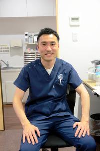 松永救急クリニック院長の松永貴志さん=美祢市