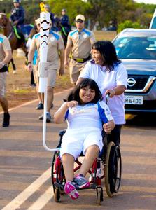 障害児を殺す風習残る集落に生まれて 聖火運んだ少女