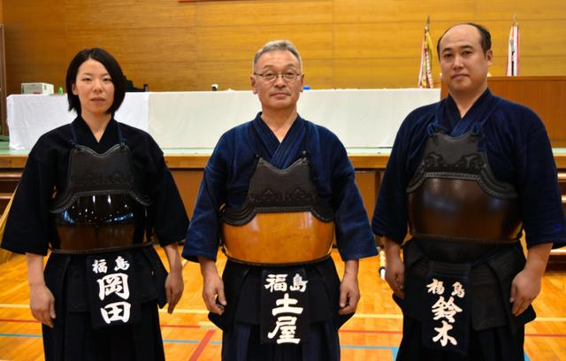 大会に出場する(左から)岡田愛さん、土屋勝さん、鈴木洋隆さん=いわき市平