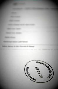 クルス元欧州委員が名を連ねるミント・ホールディングス社の役員リスト。バハマの登記局のスタンプが押されている