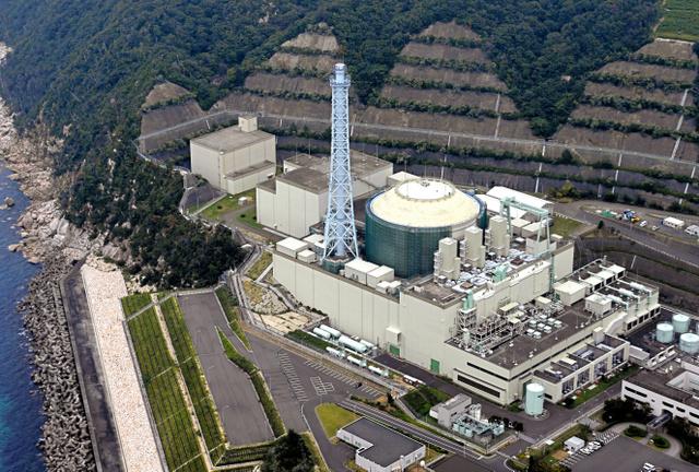 高速増殖原型炉「もんじゅ」=17日、福井県敦賀市、朝日新聞社ヘリから、豊間根功智撮影