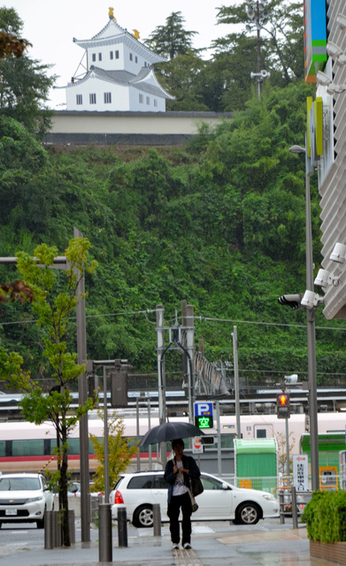 いわき駅近くに現れた「磐城平城」=いわき市