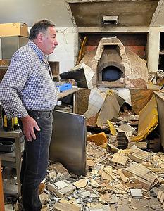 8月24日の地震で損壊したアマトリーチェ近郊のレストラン=いずれも21日、山尾有紀恵撮影
