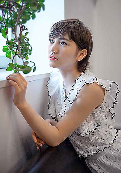 18歳。将来は舞台女優を志望=篠田英美撮影