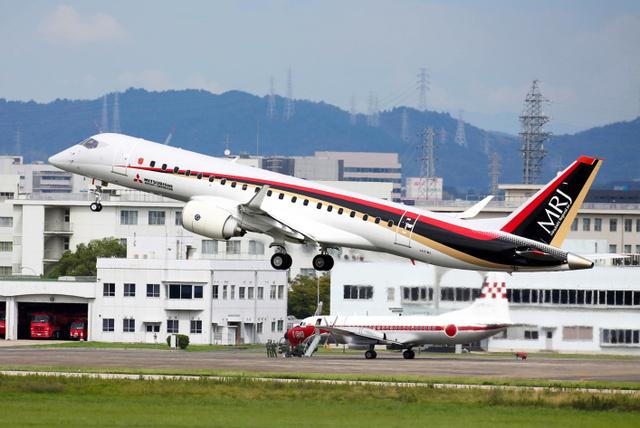 「愛知県営名古屋空港を離陸したMRJ=26日午後」的圖片搜尋結果