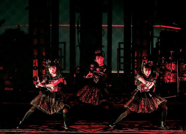 東京ドーム公演でワールドツアーのファイナルを迎えたBABYMETAL=いずれも19日、東京ドーム、Taku Fujii氏撮影