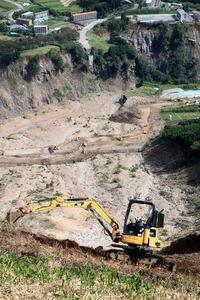 阿蘇大橋付近の土砂崩れ現場、復旧工事の様子を公開