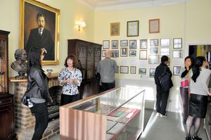 英国の漱石記念館、閉館 EU離脱受け1年前倒し