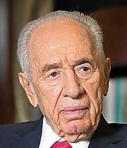 エルサレムの大統領官邸でインタビューに応じるペレス氏=2014年2月4日、ダフナ・タル撮影