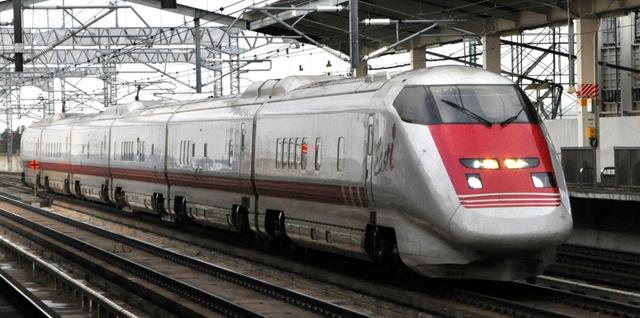 車内が初公開されるEast-i=JR東日本仙台支社提供