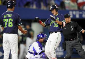 「番長」引退試合で鮮烈プロ初本塁打 ヤクルト・広岡