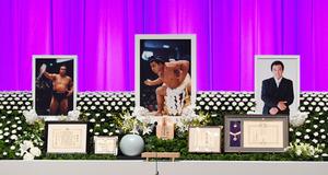 さようなら千代の富士 国技館でお別れ会、ファンら献花
