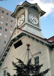 20年ぶりの大規模改修をすることになった札幌市時計台=札幌市中央区