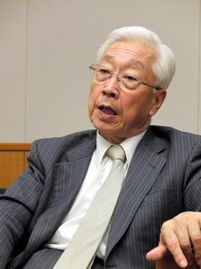 朝日新聞のインタビューに答えるNHK経営委員長の石原進氏=17日、東京・渋谷のNHK放送センター