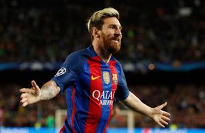 マンチェスター・シティー戦で1点目のゴールを決めたバルセロナのメッシ。この試合ではハットトリックを達成した=ロイター