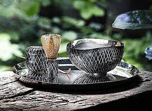 隈研吾さんがデザインした銀の茶器「KUSA」