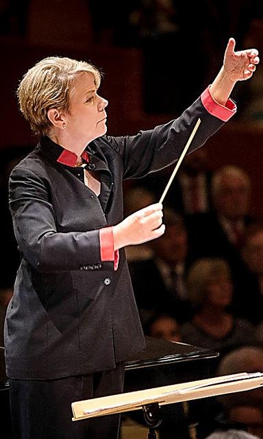 サンパウロ交響楽団を振るマリン・オールソップ=ルツェルン音楽祭から(C)Manuela Jans