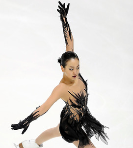 女子SPで演技する浅田真央