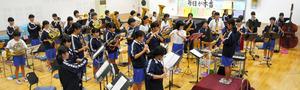 新潟)曲から一人ひとりが絵 長岡市立宮内中学吹奏楽部