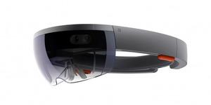 拡張現実の3D映像を目の前で ホロレンズ、年内に予約