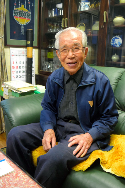 中村純二さん。東大でオーロラを研究し、1次、2次、3次の観測隊員として南極に渡った=10月29日、東京都調布市、中山由美撮影