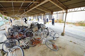 自転車が放置されたままの置き場